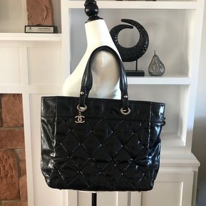 ✨CHANEL✨Authentic Large Patent Tote - NEEDS REPAIR